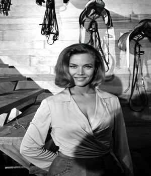 /Honor Blackman Goldfinger 1