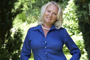 Queen of Crime Martina Cole Talks to ZANI