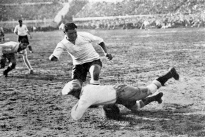 El Manco Divino - The One-Armed God -Héctor Castro -(1904 - 1960)- A Short of Biog of Uruguayan Football Legend